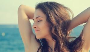 summer-sea-girl1-min