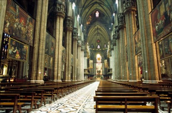 Duomo_di_milano_keski
