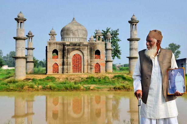 Pay-Taj-Mahal