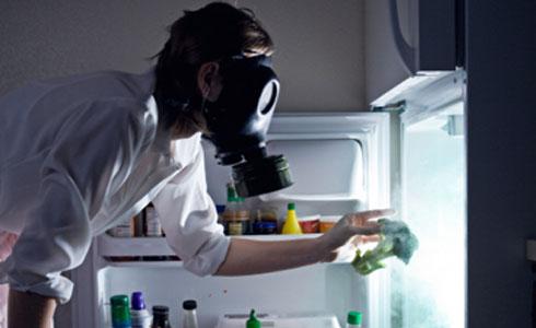 как и чем удалить неприятный запах в холодильнике