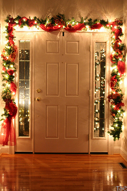 Украсьте входную дверь изнутри