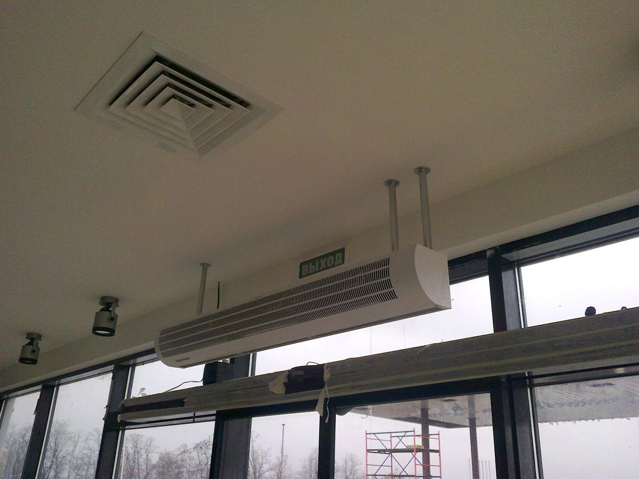 Монтаж тепловых завес