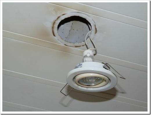 Демонтируем весь точечный светильник полностью