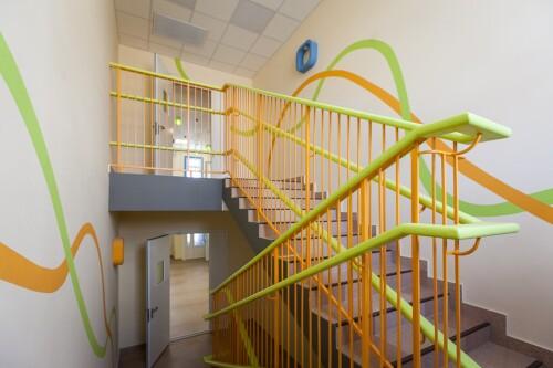 Требования к лестничным перилам для школ